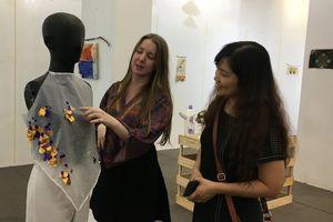 Nữ nghệ sĩ Australia và 'Nghệ thuật được làm từ rác thải'