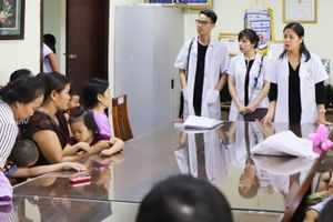 Bệnh viện Phụ sản Hà Nội hỗ trợ nhiều gia đình thiệt hại trong vụ hỏa hoạn