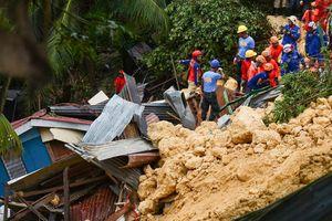Lở đất kinh hoàng chôn vùi hàng chục người ở miền Trung Philippines