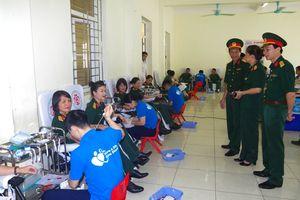 Hơn 600 cán bộ, chiến sĩ Trường Quân sự Quân khu 3 hiến máu tình nguyện