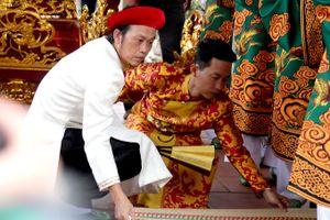 Sao Việt thực hiện nghi lễ ngày Giỗ tổ sân khấu