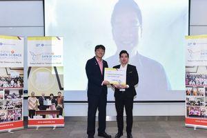 Sinh viên RMIT Việt Nam chiến thắng kép tại cuộc thi khu vực về phân tích dữ liệu