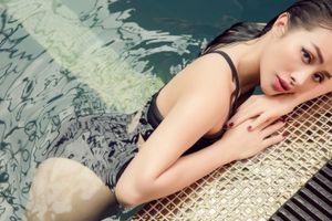 Yaya Trương Nhi khoe đường cong với bikini
