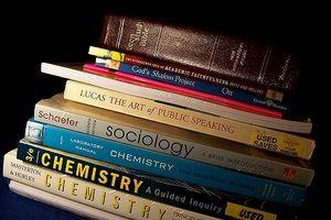 Biên soạn sách giáo khoa: Kinh nghiệm của những nền giáo dục tiên tiến
