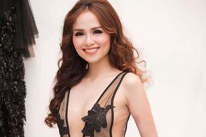 Hoa hậu Diễm Hương xin lỗi NTK vì lấy váy mượn cho người khác mặc