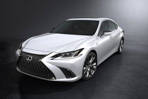 Ảnh chi tiết Lexus ES 2019, giá từ 46.000 USD