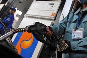Mạnh tay chi Quỹ bình ổn, giá xăng dầu vẫn tăng