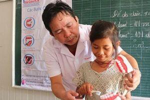 Lai Châu: Khám răng miễn phí cho trẻ em cùng cao dịp Trung thu 2018