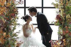 Hé lộ ảnh cưới lãng mạn và dàn sao dự đám cưới Trường Giang- Nhã Phương