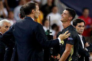 HLV Real Madrid bất ngờ lên tiếng về thẻ đỏ của Ronaldo