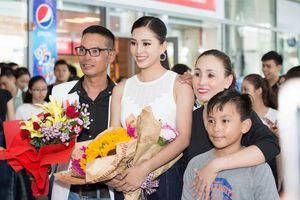 Hoa hậu Tiểu Vy 'vinh quy bái tổ'
