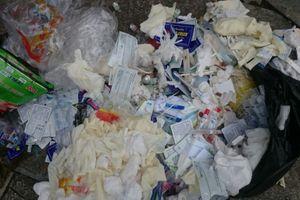 Phòng khám 360 Lê Hoàn – TP. Thanh Hóa 'vứt bừa' rác thải y tế ra môi trường