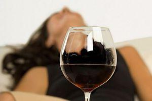Chỉ thích 'yêu' khi ngập trong men say