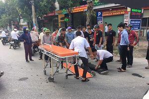Hai xe máy đối đầu, một phụ nữ bị thương nặng