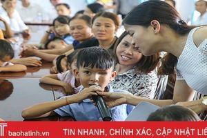 Trung thu yêu thương cho trẻ em khiếm thị Hà Tĩnh