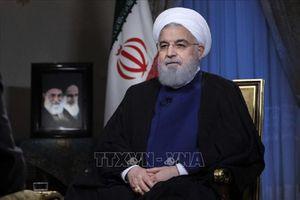 Tổng thống Iran tuyên bố đáp trả mạnh mẽ vụ tấn công ở Ahvaz