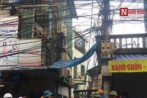 Cận cảnh cuộc tìm kiếm thi thể nạn nhân xấu số vụ cháy trên đường Đê La Thành