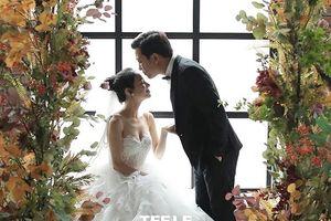 Lộ ảnh cưới tình tứ của Nhã Phương - Trường Giang trước hôn lễ