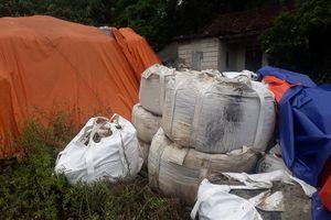 Vụ 233 tấn chất thải tại Thái Nguyên: CQ cho doanh nghiêp 'vừa đá bóng vừa thổi còi'?