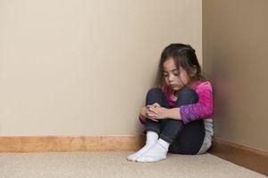 5 hình phạt khiến trẻ răm rắp vâng lời mà chẳng cần roi vọt