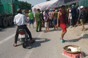 Gánh hàng trên QL1A, 2 phụ nữ bị xe tải tông tử vong