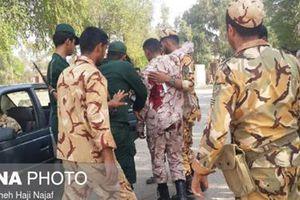 Xả súng trong lúc diễu binh ở Iran, nhiều thương vong