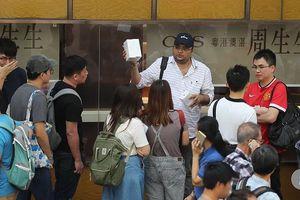 iPhone Xs và iPhone Xs Max 2 SIM vật lý ế ẩm tại Trung Quốc