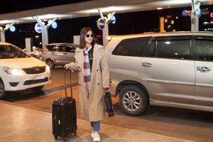 Hoàng Yến Chibi tươi tắn ở sân bay, gấp rút lên đường sang Nhật công tác