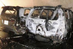 Hỏa hoạn thiêu rụi 4 ô tô trong gara lúc nửa đêm