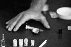 Lôi kéo, dụ người khác sử dụng ma túy có phạm pháp?