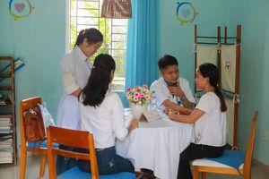 TT- Huế: Khám và cấp phát thuốc miễn phí cho cán bộ công nhân viên chức hoàn cảnh khó khăn