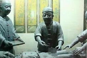 Quá trình tịnh thân vô cùng đau đớn của thái giám Trung Hoa