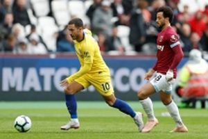 Không thể thắng West Ham, Chelsea mất ngôi đầu bảng
