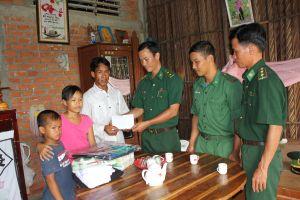 Tình quân dân bền chặt ở khu vực biên giới biển Tân Phú Đông
