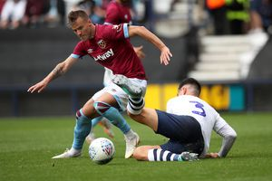 Ngoại hạng Anh, West Ham - Chelsea: 'The Blues' cứ thẳng đường mà tiến