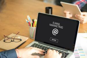 Tếp thị email vẫn còn dư đất sống