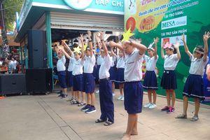 Hơn 800 trẻ Mái ấm, Nhà Tình thương vui chơi Trung thu tại Đường sách