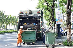 Đà Nẵng: Để rác tồn đọng, lãnh đạo công ty môi trường chịu trách nhiệm