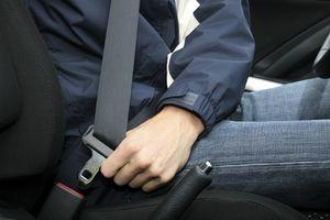 Tại sao chúng ta phải thắt dây an toàn khi ngồi trên ô tô?