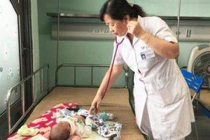 Trẻ ồ ạt nhập viện do nhiễm virus chưa có thuốc điều trị
