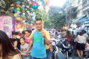 Hà Nội: Phố Hàng Mã nhộn nhịp cận ngày Tết Trung thu