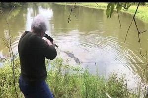 Cụ bà bắn chết cá sấu khổng lồ chỉ với một phát đạn