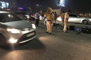 Chạy vào làn ô tô, đôi nam nữ tử vong trên cầu Sài Gòn