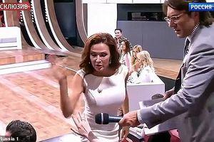 Nữ diễn viên tát vào mặt khán giả trong chương trình truyền hình trực tiếp
