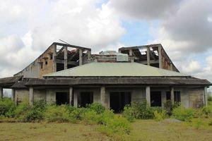 Công trình tiền tỷ bỏ hoang