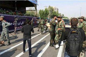 2 nhóm nhận tấn công diễu binh Iran, Mỹ nói không liên quan
