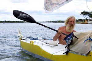 Chuyện ông lão 70 tuổi 3 lần chèo thuyền vượt Đại Tây Dương
