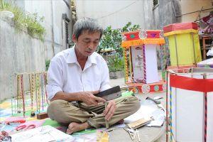 Đèn kéo quân lung linh trong đêm qua đôi bàn tay 'phù thủy' của một nghệ nhân Thanh Oai, Hà Nội
