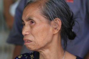 Mẹ già, con nhỏ khóc thương cặp vợ chồng tử nạn ở khu trọ của ông Hiệp 'khùng'