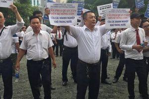 Hoãn phiên tòa xét xử vụ kiện giữa Vinasun và Grab